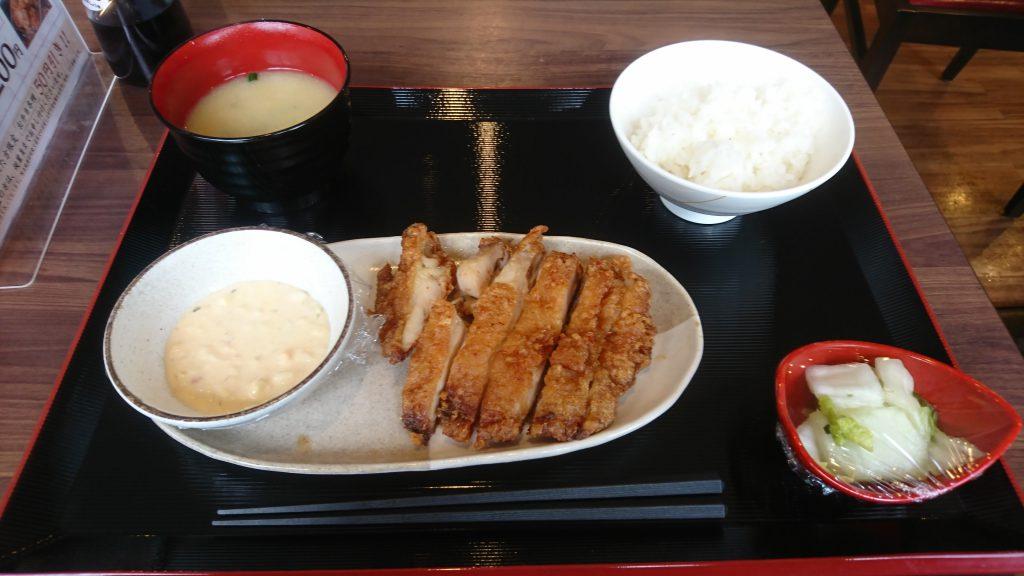 全品税込500円の定食屋「ごはん処 喜楽や 小倉沼店」で500円定食を食べた!