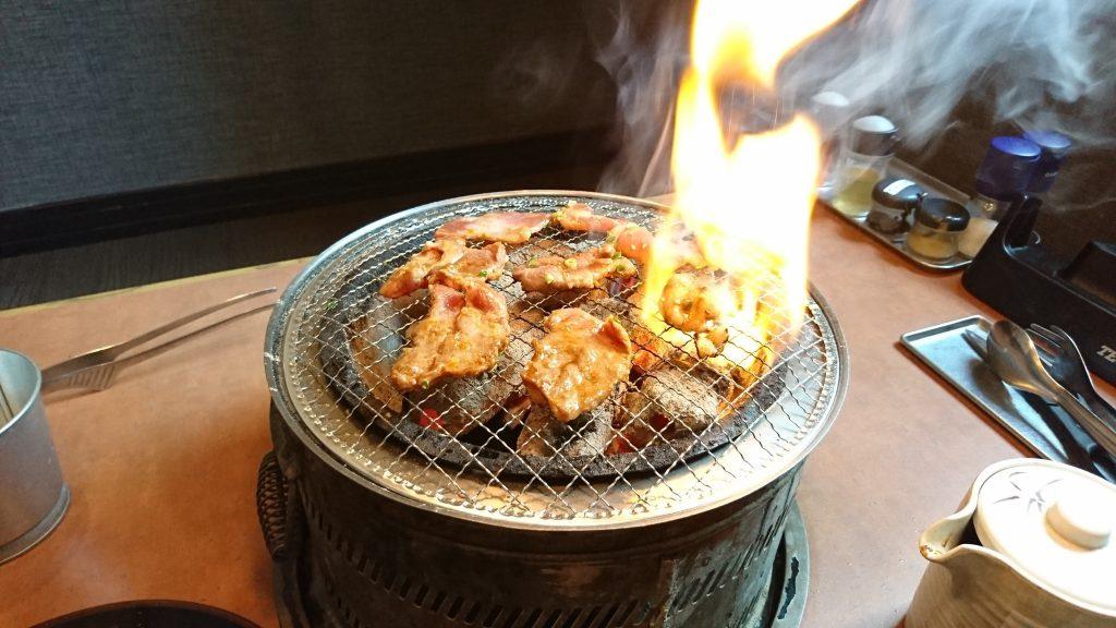 小倉南区にある焼肉店、炭火焼肉 萬月 朽網本店で食べ放題ランチを食べた!