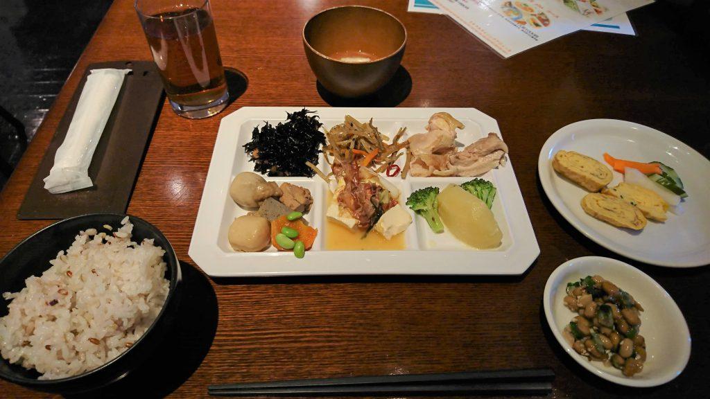 小倉北区にある食べ放題のお店、ミネラルダイニング アジュールへと行った!