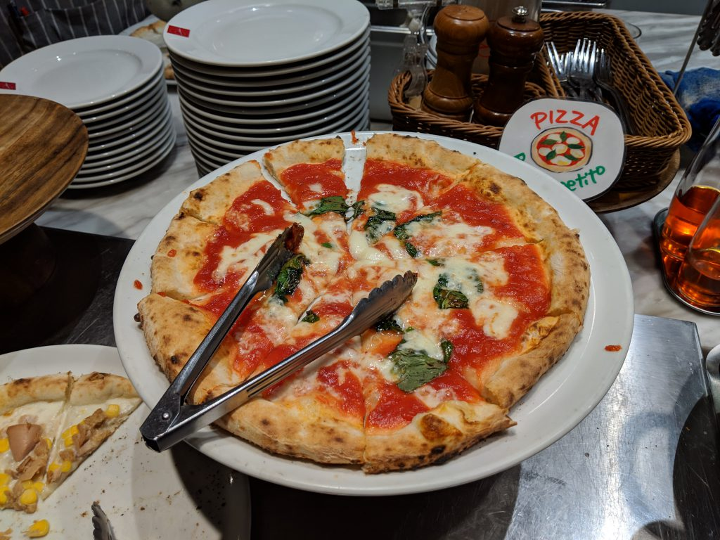 小倉北区にある本格ピザ・イタリアンを楽しむお店、SALVATORE CUOMO&BAR 小倉でランチビュッフェを食べた!