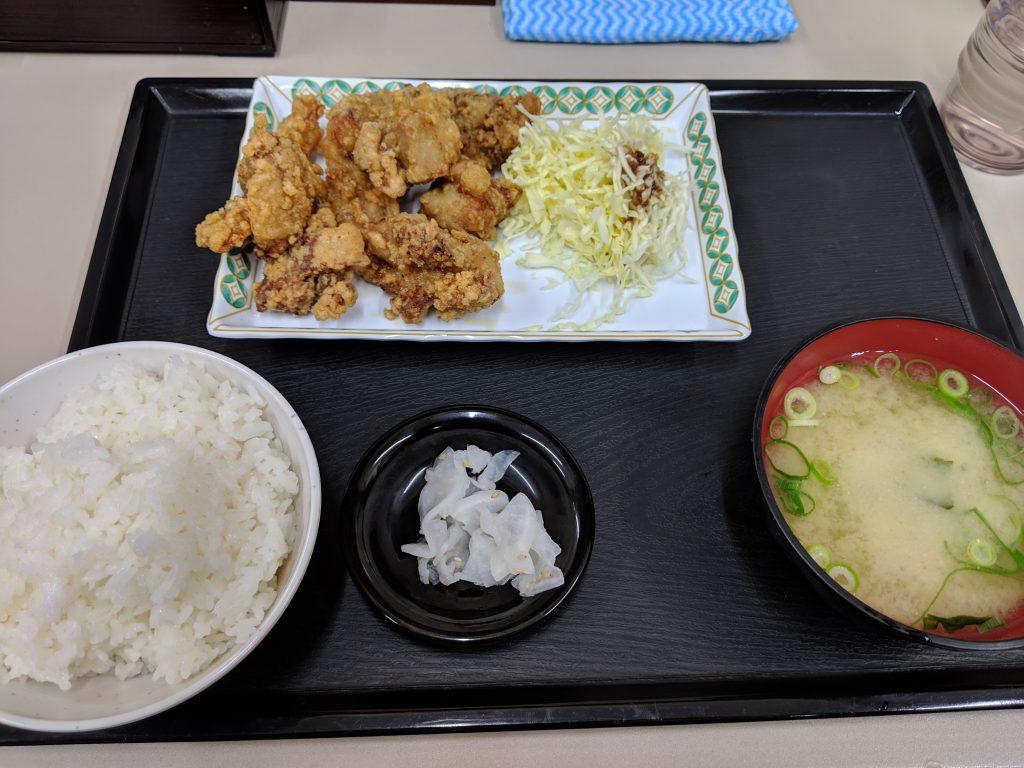 小倉南区にある定食屋、カツ丼大将でからあげ定食を食べた!