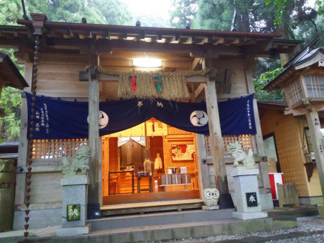 高千穂にある荒立神社、槵觸(くしふる)神社に参拝した!
