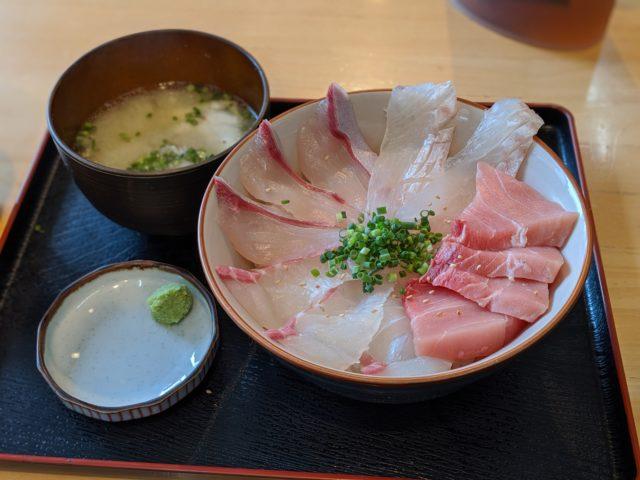 選べる楽しさ! 魚処やましたで自分海鮮どんぶりを食べた!