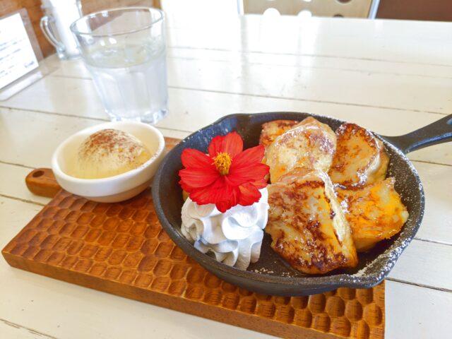 小倉南区にあるR cafeでフレンチトーストとドーナツを食べた!