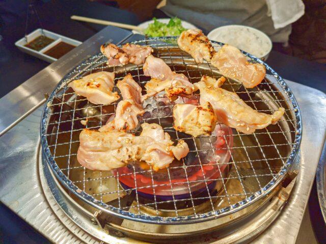 八幡西区にある焼肉とワイン 八孝でランチ限定の地鶏食べ放題を食べた!
