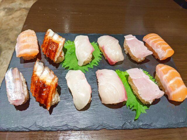 八幡西区にあるすし天やで絶品赤シャリ寿司60分食べ放題を注文した!