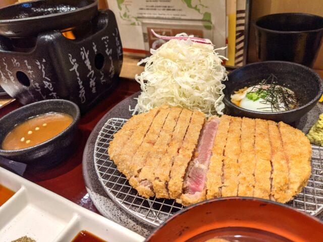 小倉駅前にある牛カツ専門店 京都 勝牛で牛カツ食べ放題を食べた!