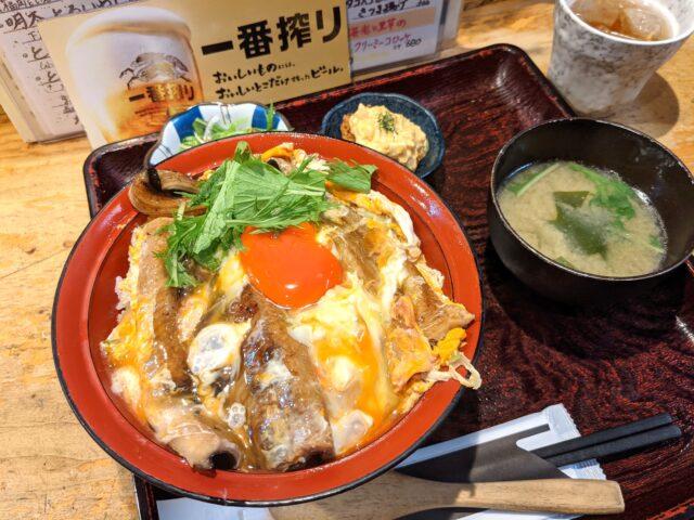 小倉北区にある活魚居酒屋 味楽で三陸産穴子の玉子とじ丼を食べた!