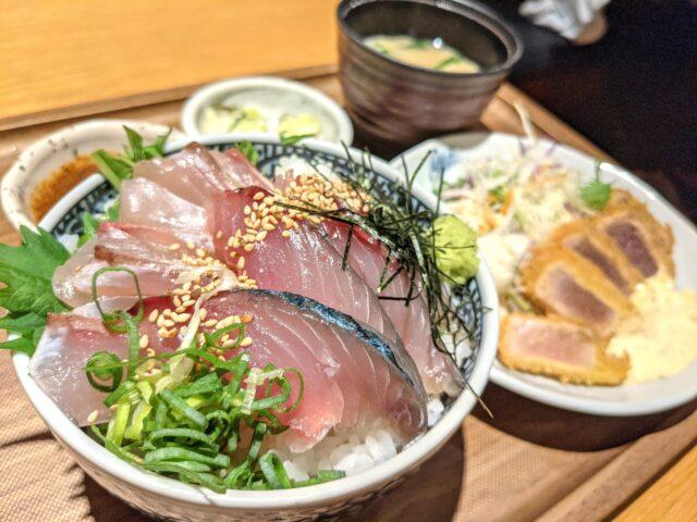 天神にあるうみの食堂で海鮮丼を食べた!